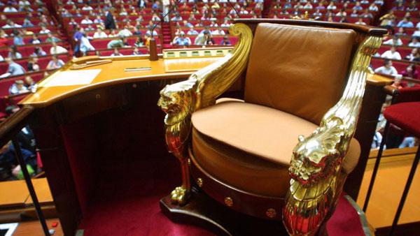 L histoire du fauteuil de bureau des grands hommes simon - Bureau de l assemblee nationale ...