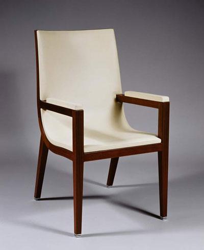 l histoire du fauteuil de bureau des grands hommes simon. Black Bedroom Furniture Sets. Home Design Ideas