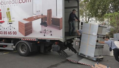nous assurons la livraison l 39 installation et le sav de vos meubles de bureau simon bureau. Black Bedroom Furniture Sets. Home Design Ideas