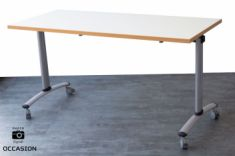Table basculante en lot