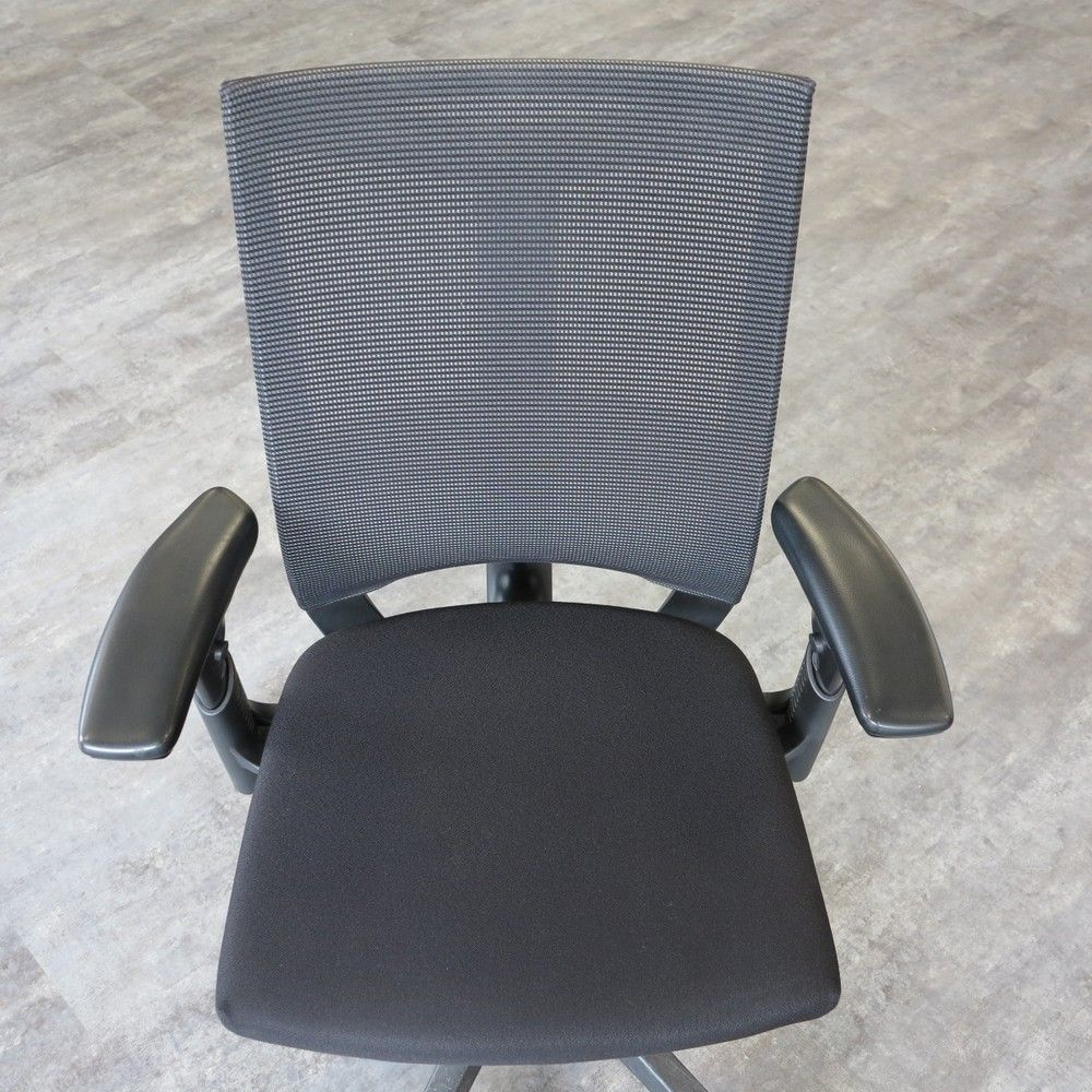Fauteuil d 39 occasion system x 88 haworth for Meuble bureau haworth