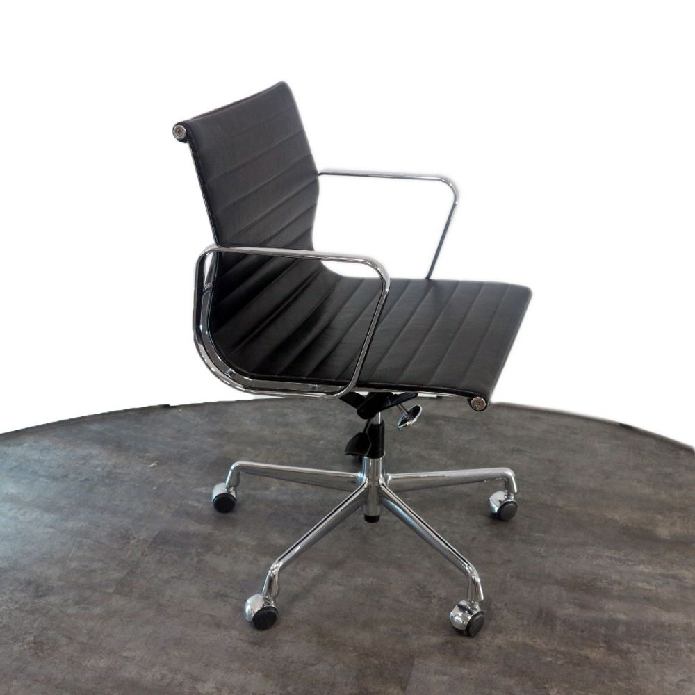 aluminium group ea 117 vitra. Black Bedroom Furniture Sets. Home Design Ideas