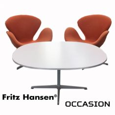 table fritz hansen arne jacobsen