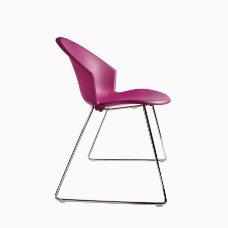 chaise coque couleur. Black Bedroom Furniture Sets. Home Design Ideas