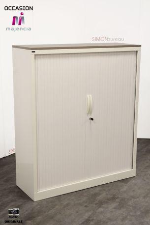 Armoire blanche rideaux